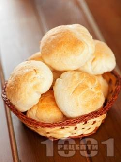 Питки с грис и бяло брашно (със суха мая) - снимка на рецептата